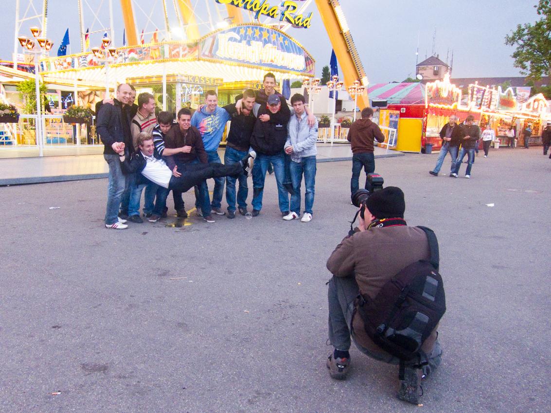 Thomas Rathay fotografiert *Ein Tag Deutschland* auf dem Stuttgarter Fruehlingsfest