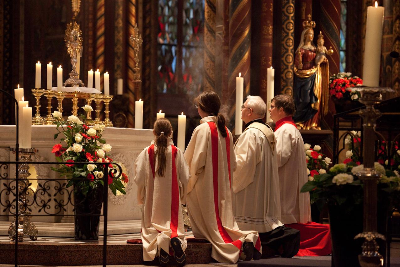Die Pilgerandacht mit Segnung der Andachtsgegenstände findet während der Wallfahrtszeit vom 1. Mai bis 1. November täglich um 15.00 Uhr in der Basilika des Wallfahrtsort Kevelaer statt.